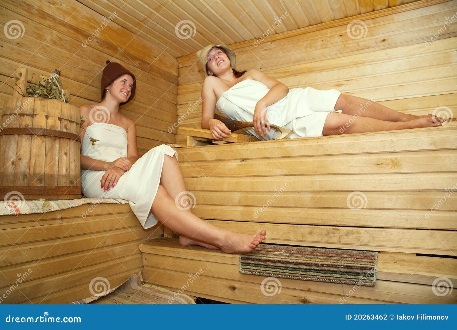 Фото голых баб за 50 в бане, Голые девушки в бане - красивые русские бабы 22 фотография