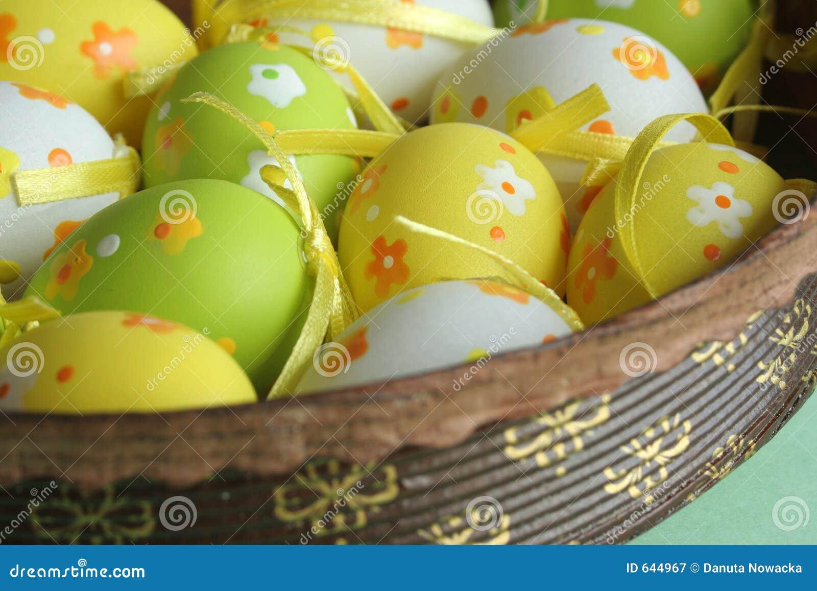 Download пасхальные яйца стоковое изображение. изображение насчитывающей традиционно - 644967