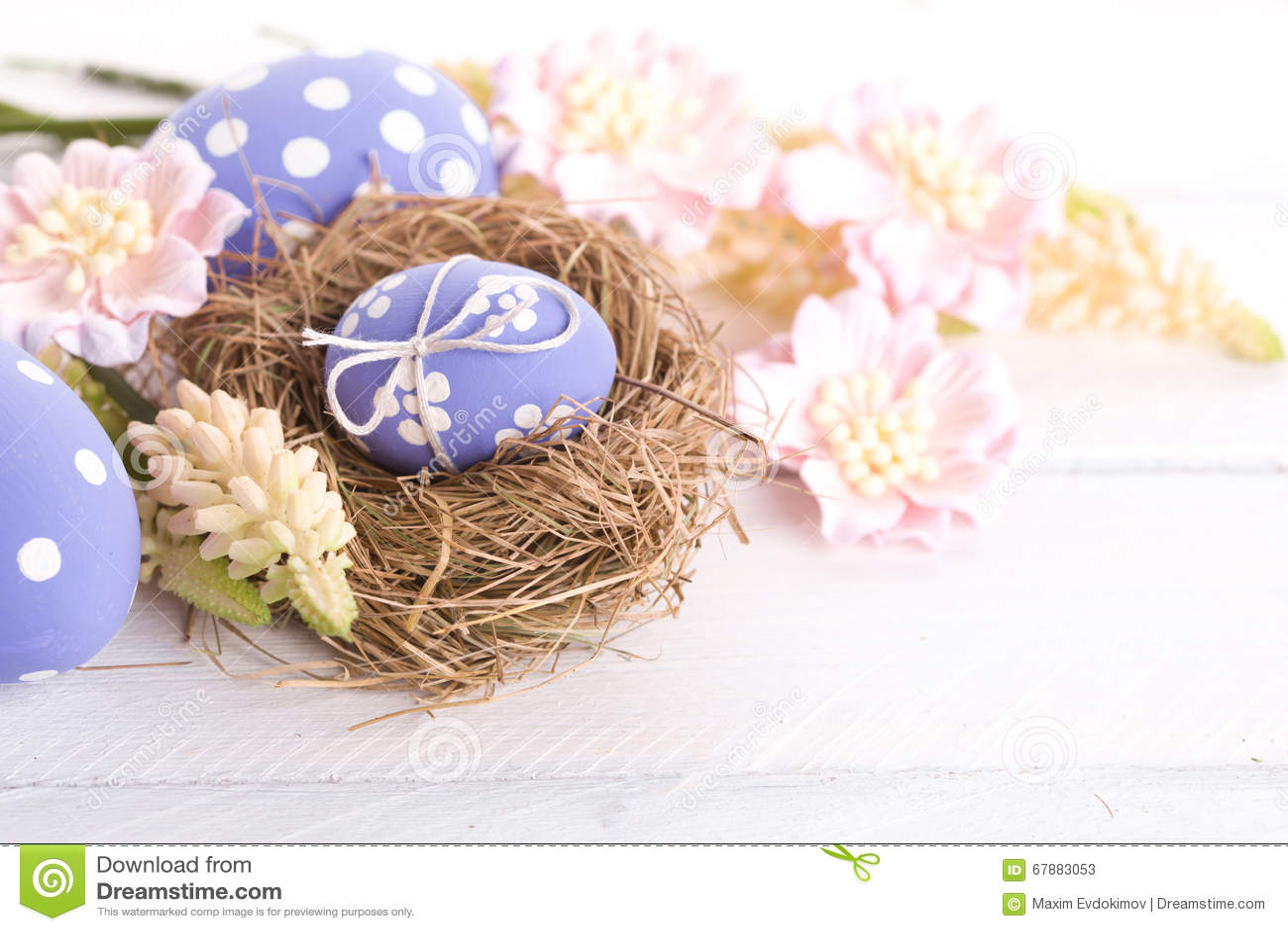 Пасхальные яйца с гнездом
