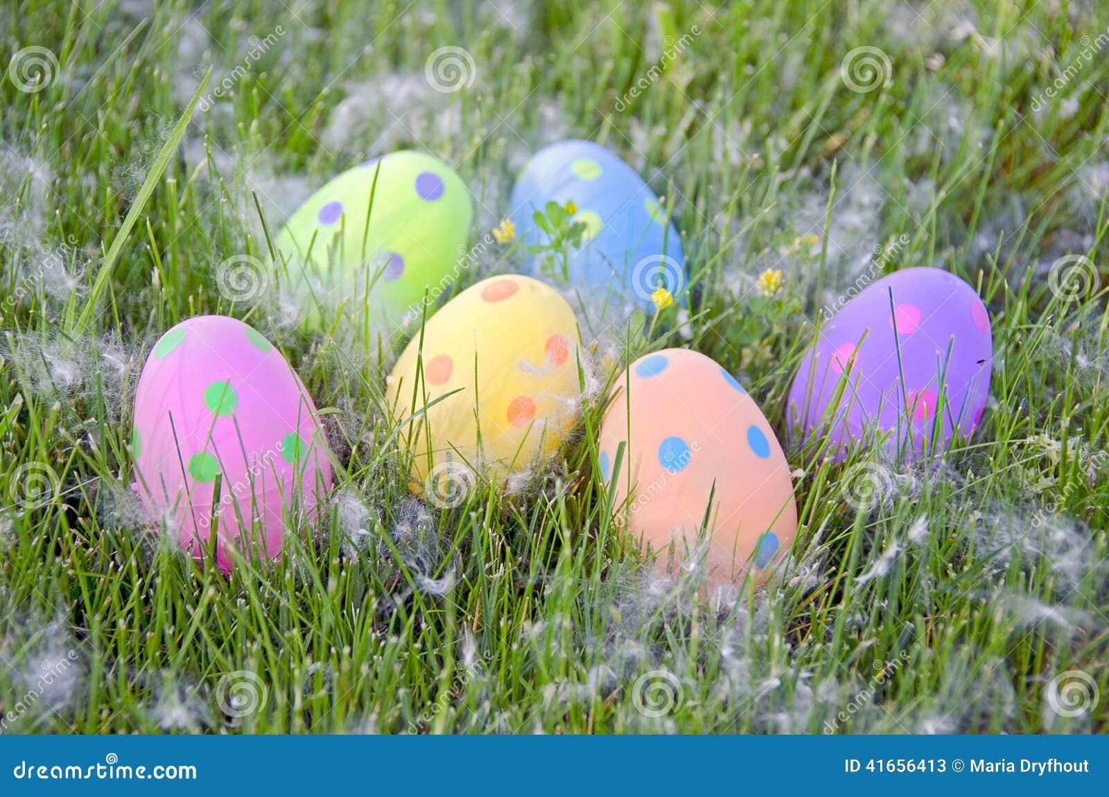 Пасхальные яйца точки польки