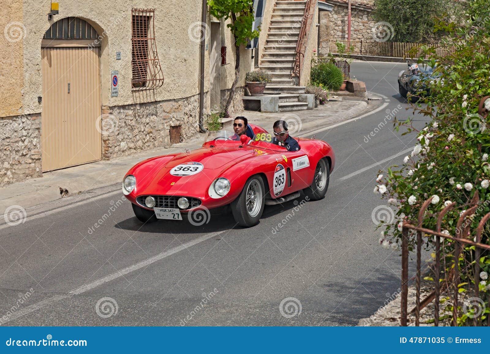 Паук Scaglietti Феррари 750 Монцы (1955) в Mille Miglia 2014