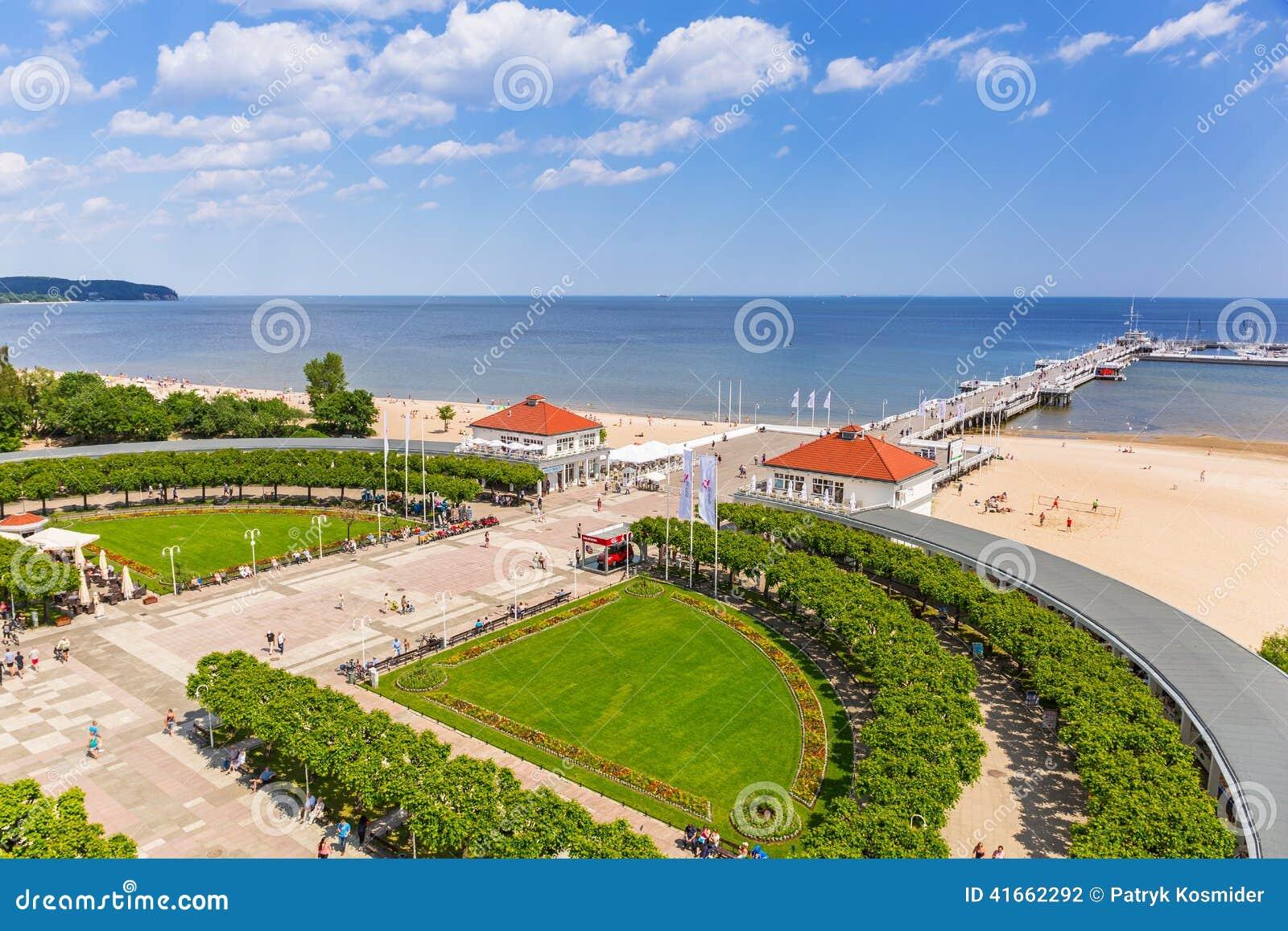 Пейзаж molo Sopot на Балтийском море в Польше