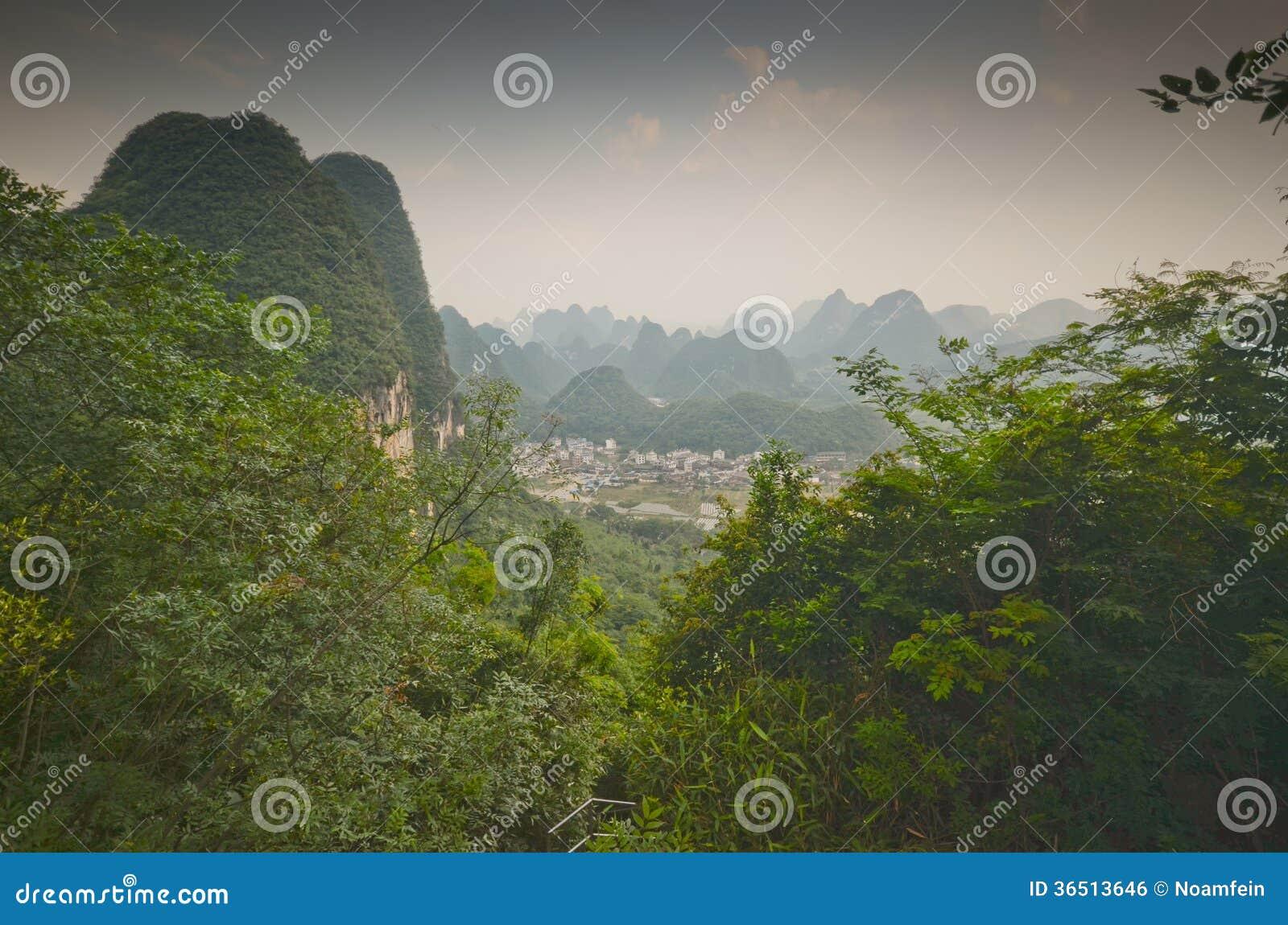 Пейзаж Yangshuo