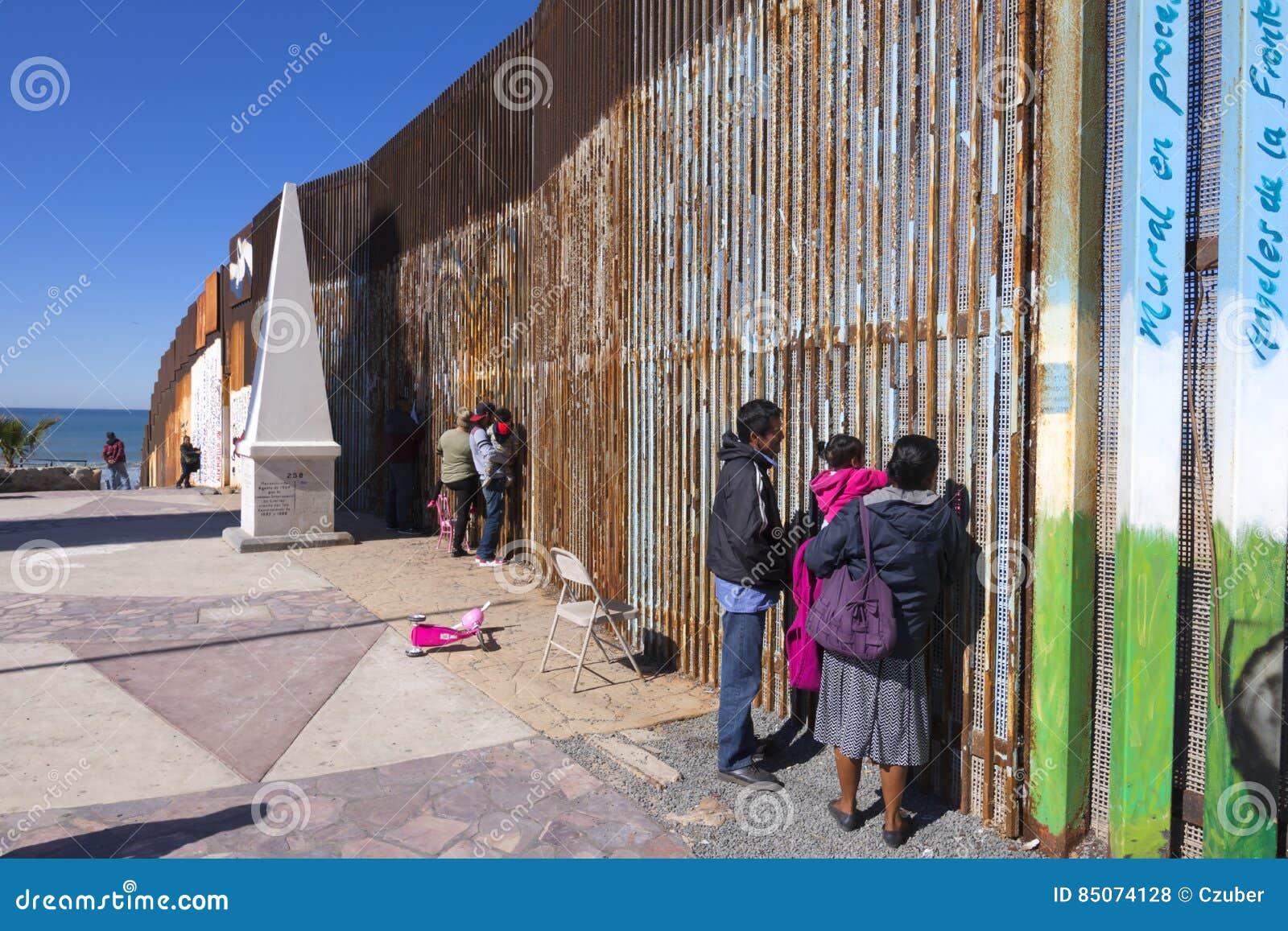 Перекрестные встречи семьи границы