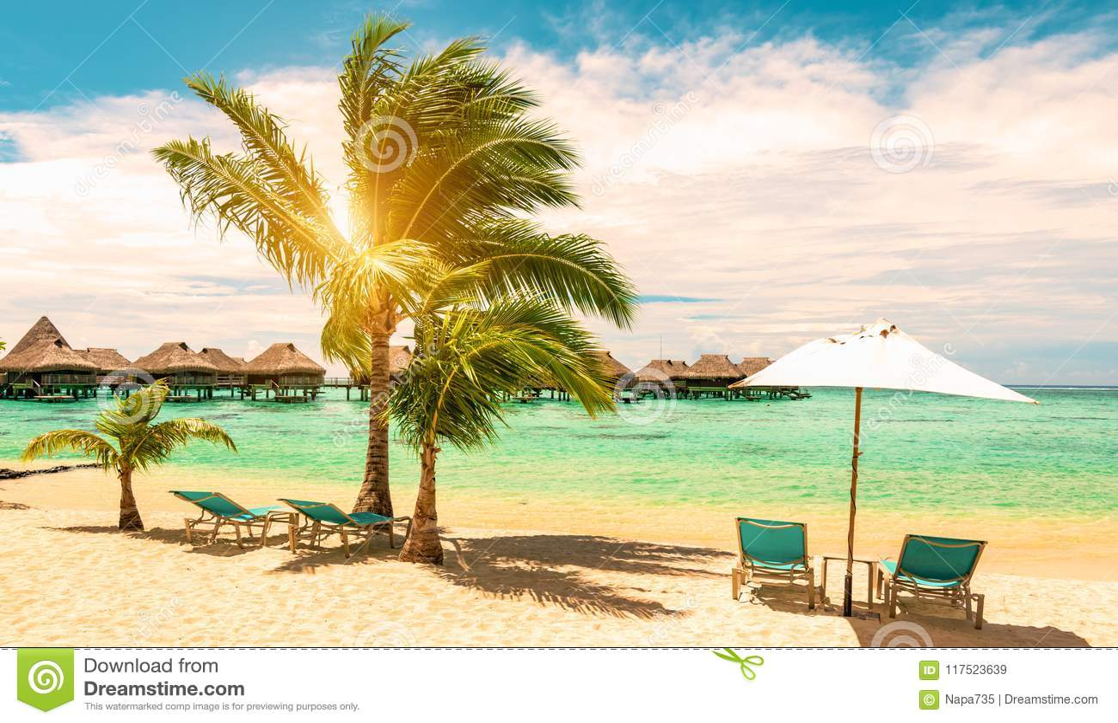 Перемещение, туризм и тропическая концепция летних каникулов