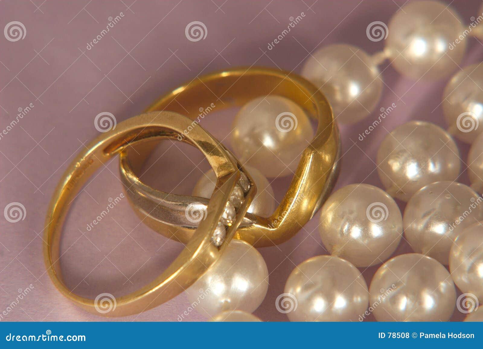 перла золота диамантов