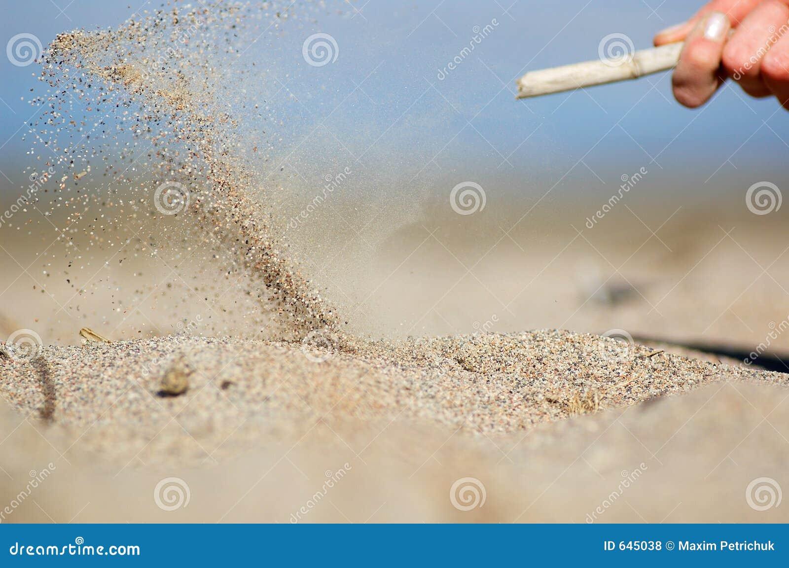 Download песок летания стоковое фото. изображение насчитывающей лето - 645038