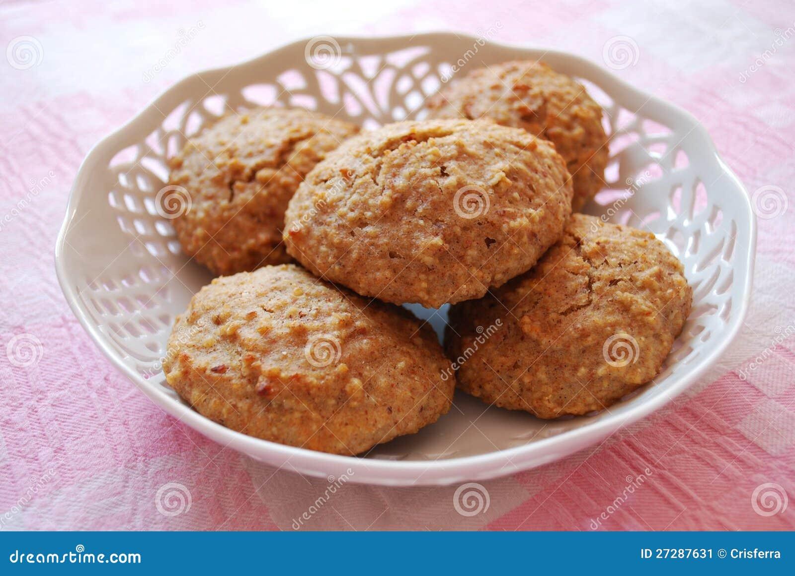 Печенья миндалин