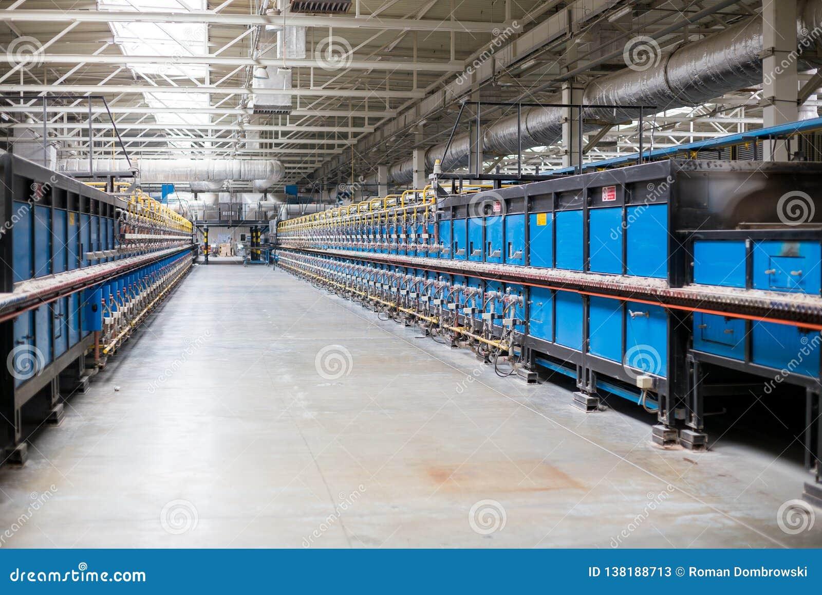 Печь тоннеля керамики здоровья строя внутреннюю структуру в фабрике