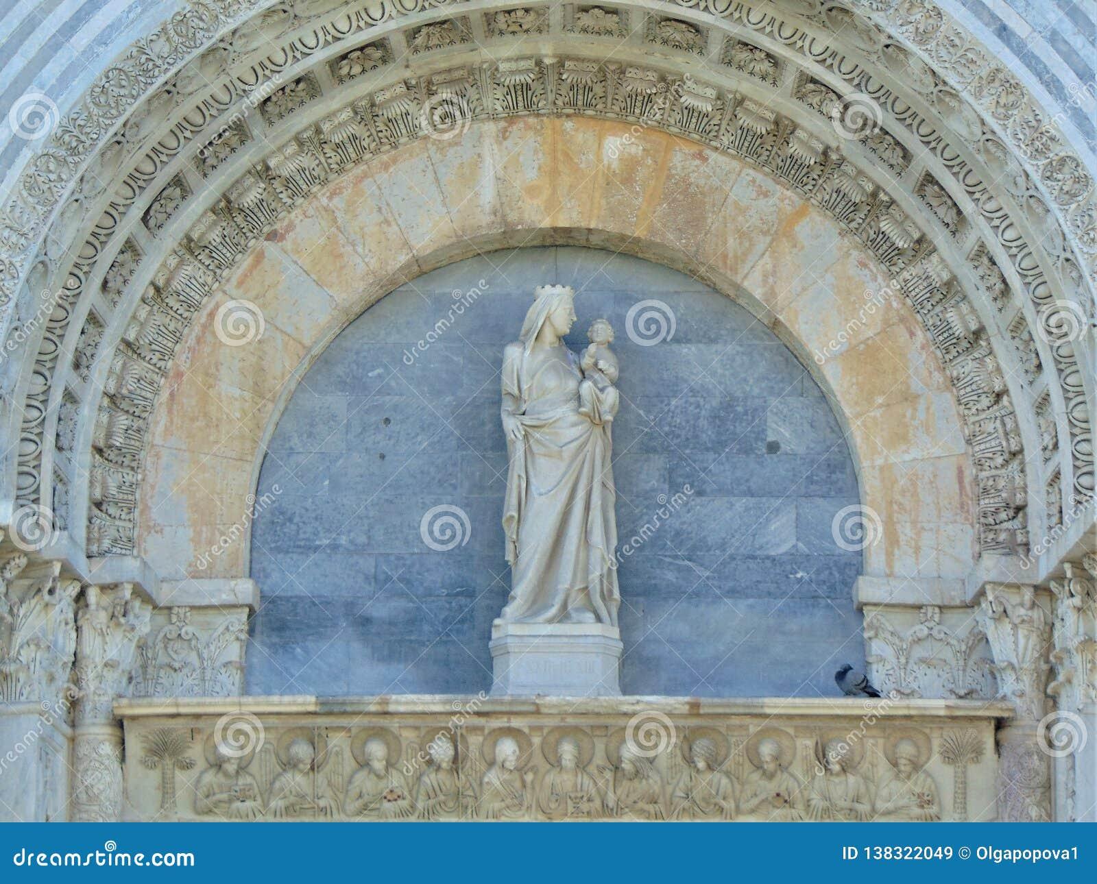Пиза Тоскана Италия Купель Пизы Baptistry StJohn Пизы