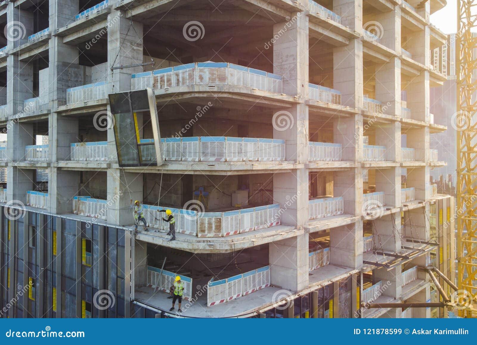 Плакирование фасада здания