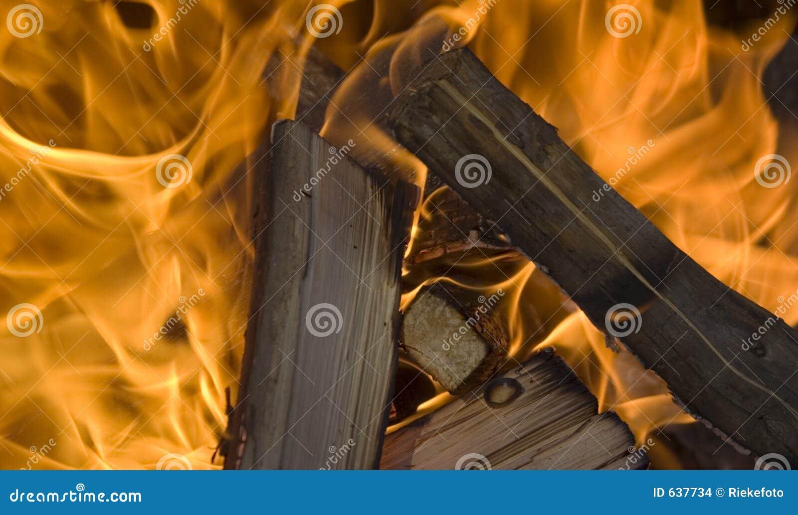 Download пламена пожара стоковое фото. изображение насчитывающей ожог - 637734