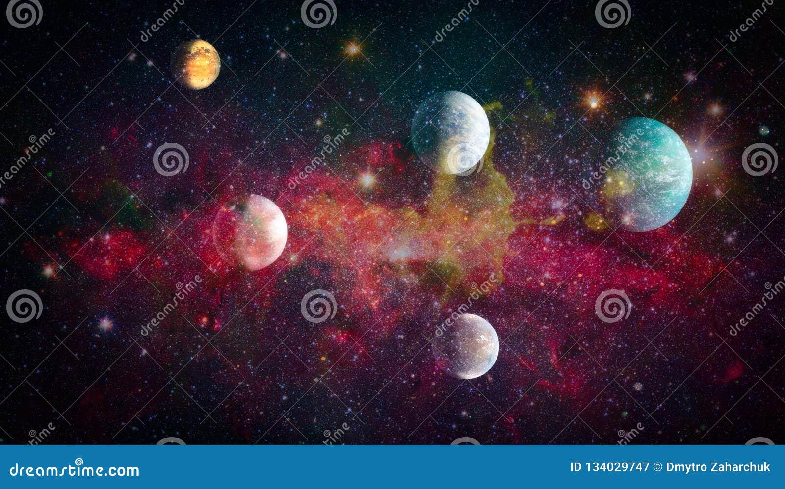 Планеты, звезды и галактики в космическом пространстве показывая красоту космического исследования Элементы поставленные NASA