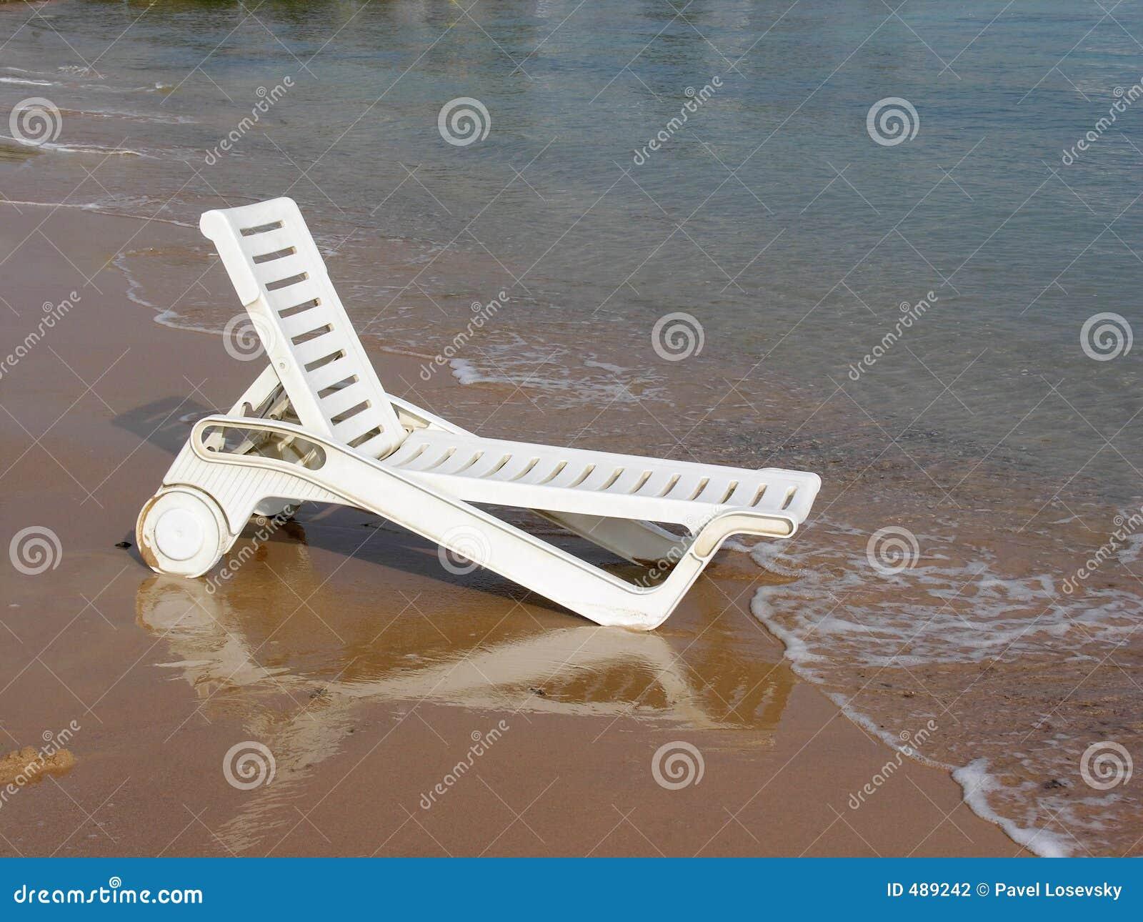 планка кровати пляжа