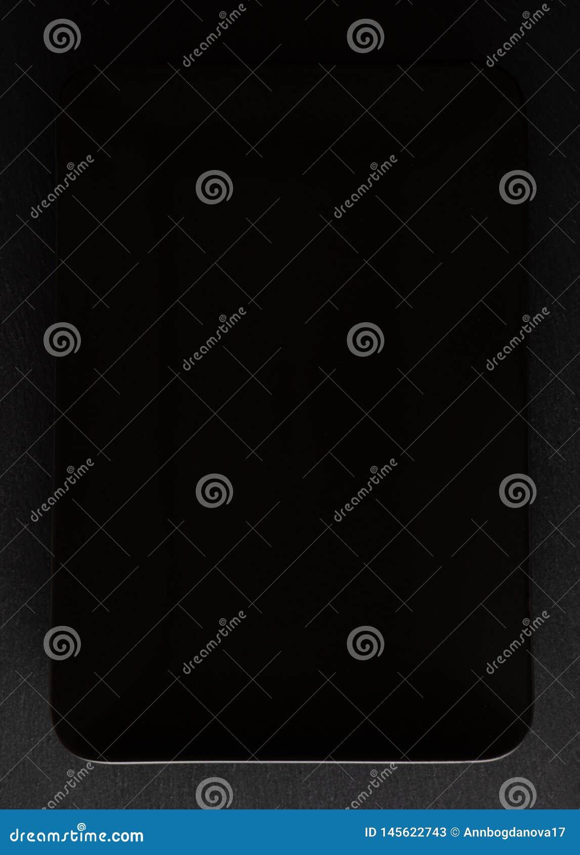Плита черного цвета как предпосылка надписи
