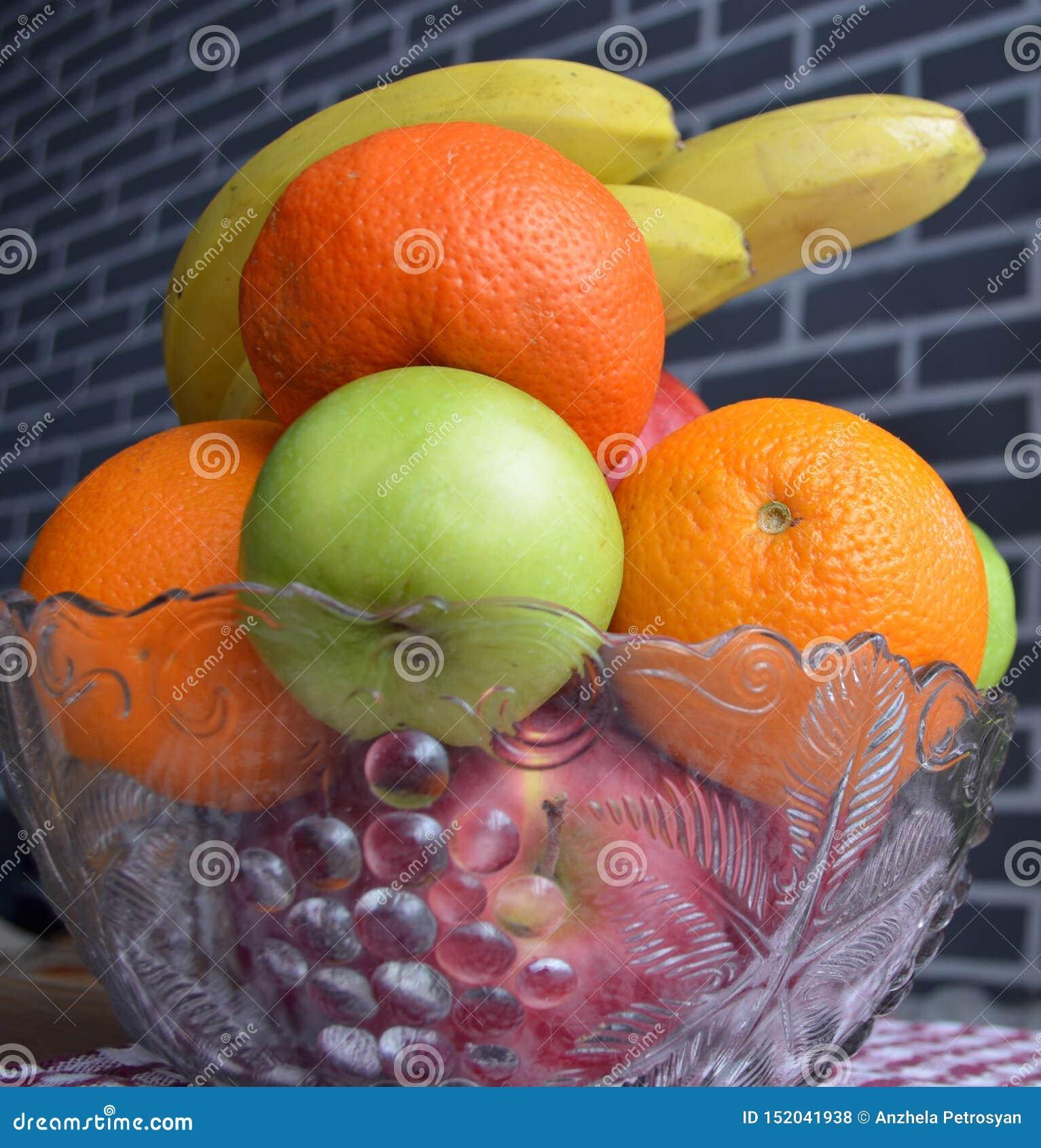 Плод в вазе r