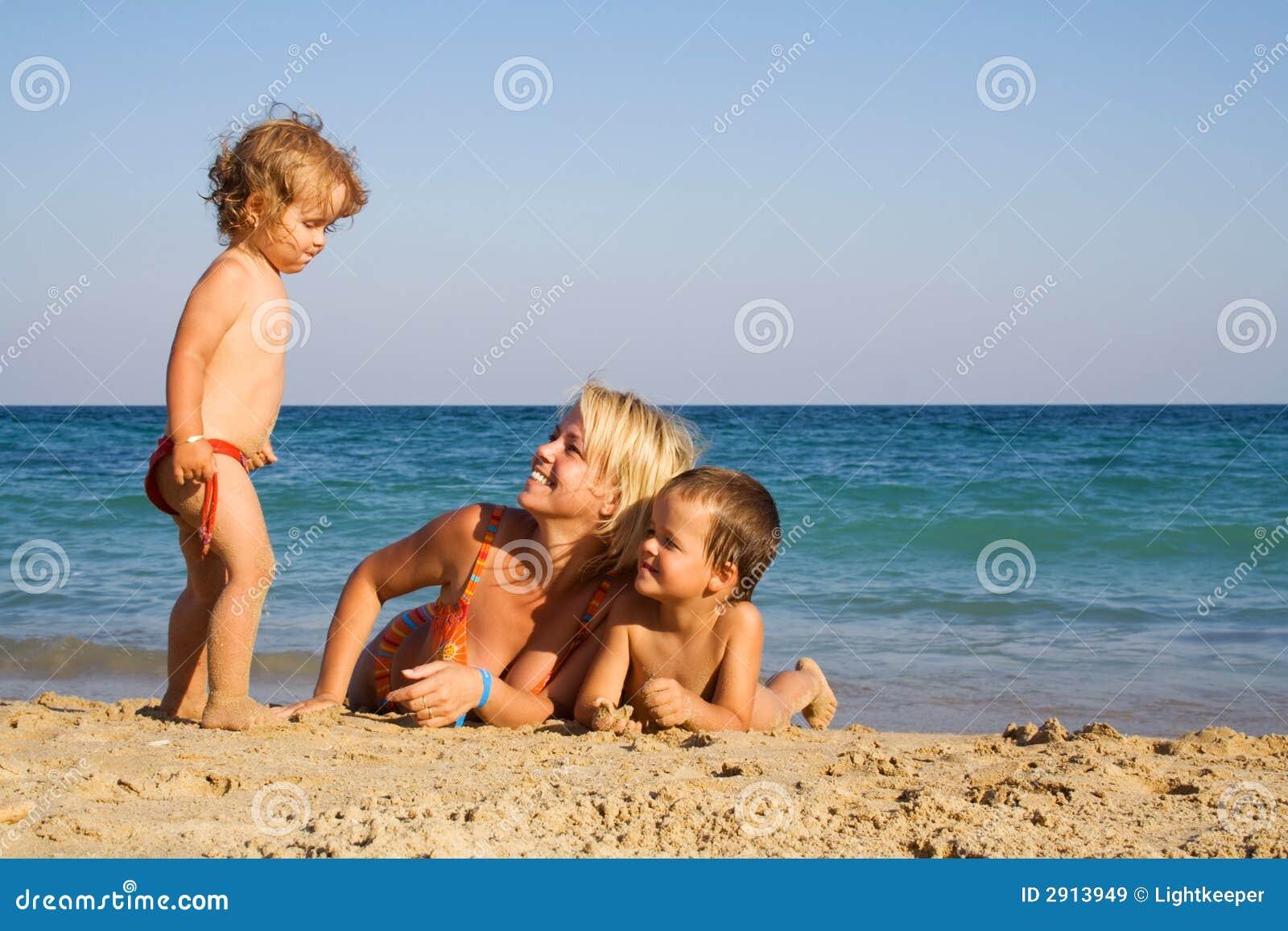 Фото семейный нудизм на отдыхе, Семейный отдых нудистов » Нудисты Cайт про 25 фотография