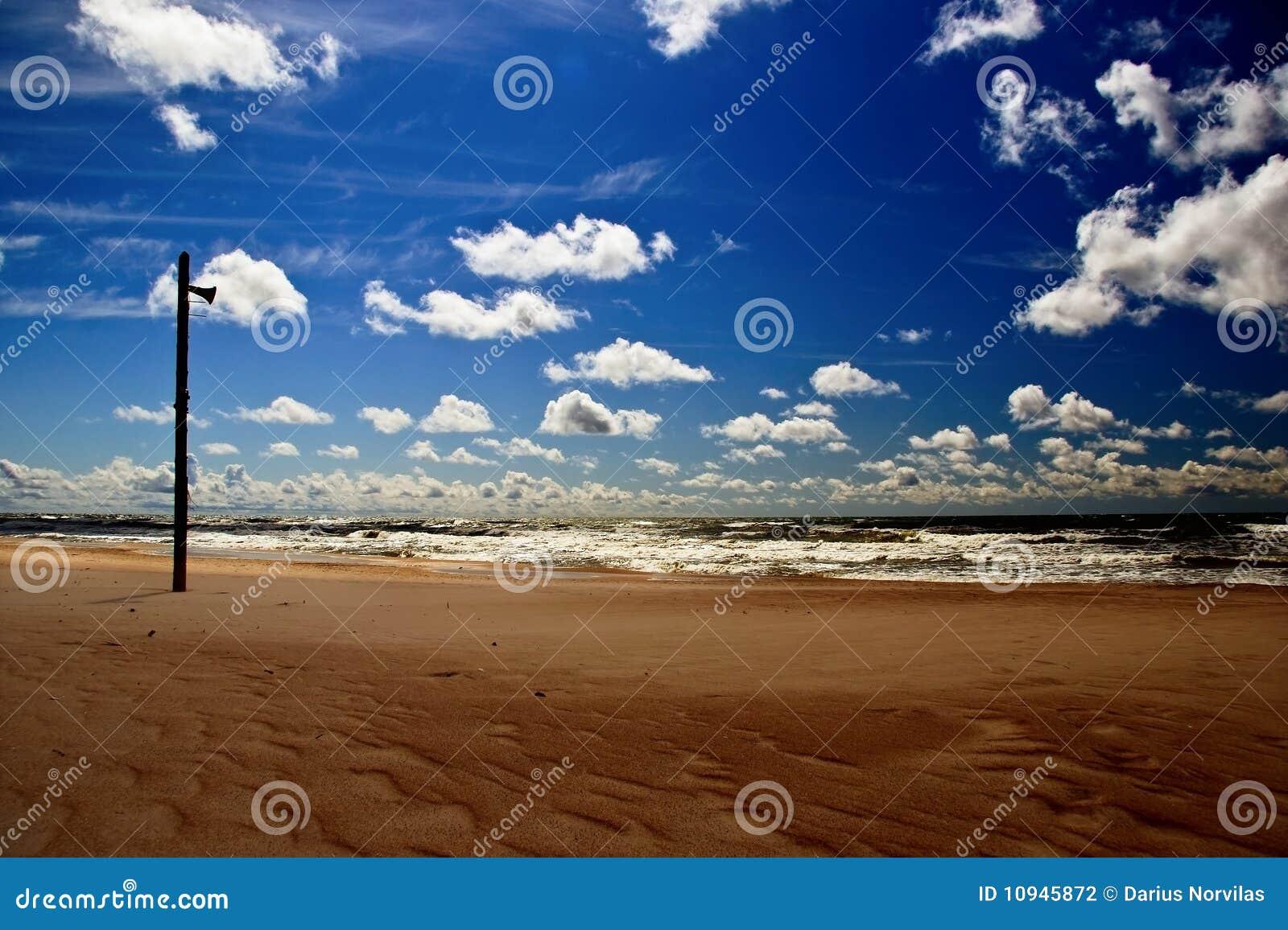 пляж пустой