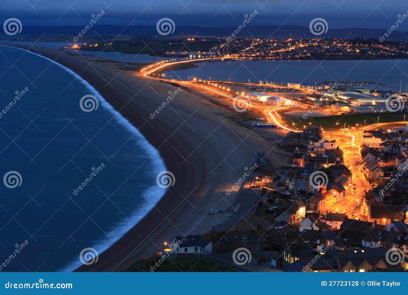 Пляж Chesil на ноче