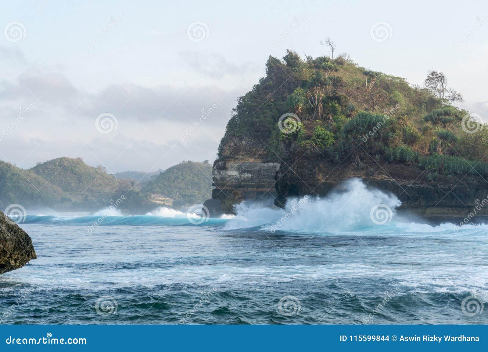 Пляж Malang Индонезия Batu Bengkung