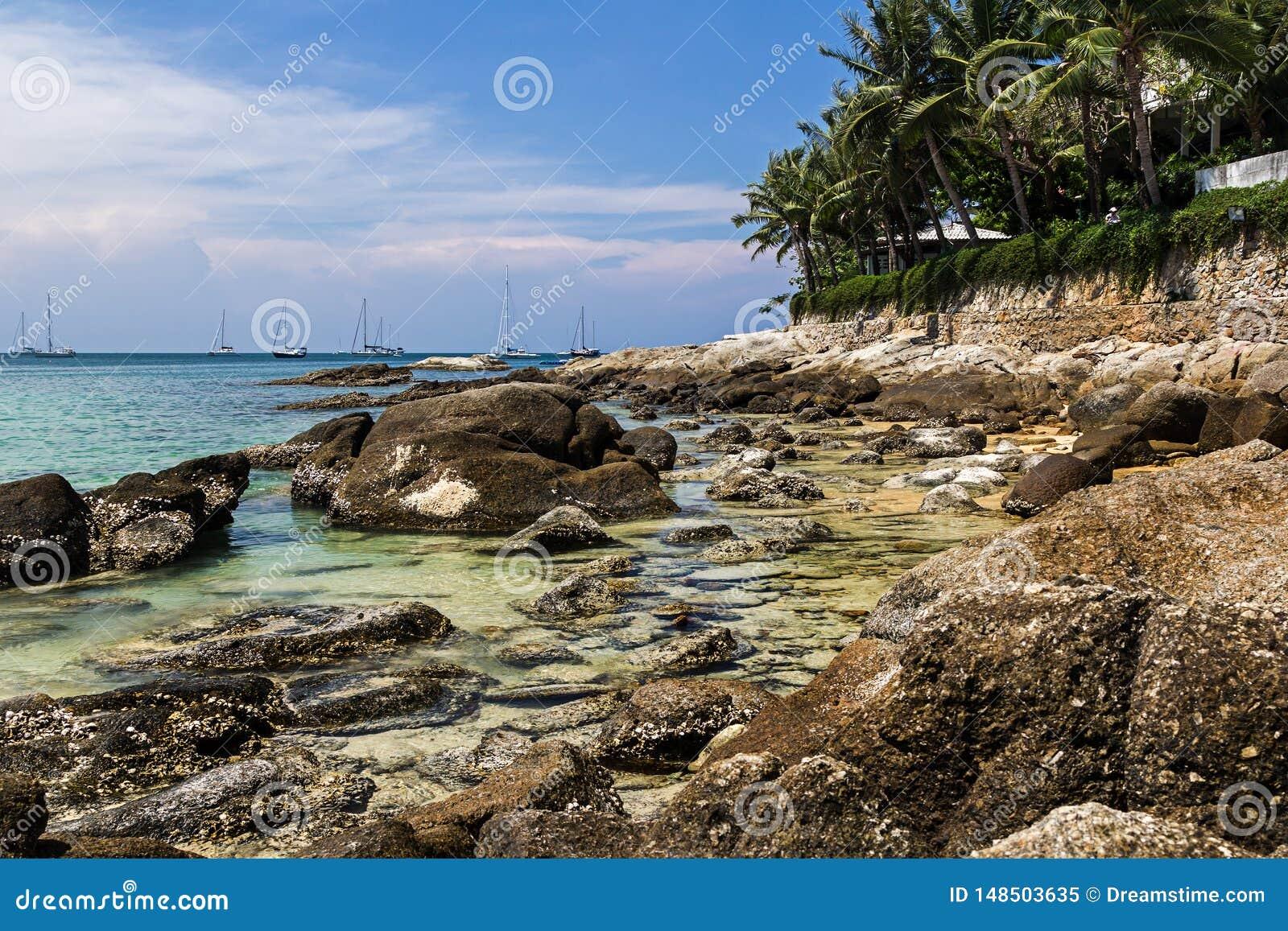 Пляж Nai Harn в острове Пхукета