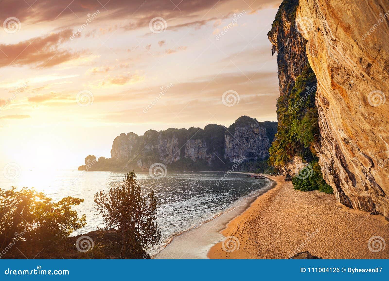 Пляж Tonsai в Таиланде