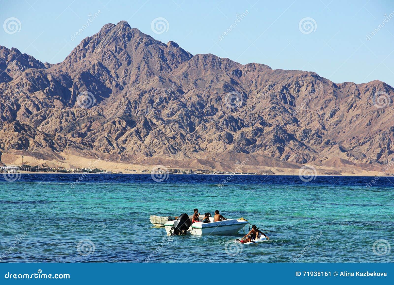 Побережье Красного Моря в Dahab, Египте