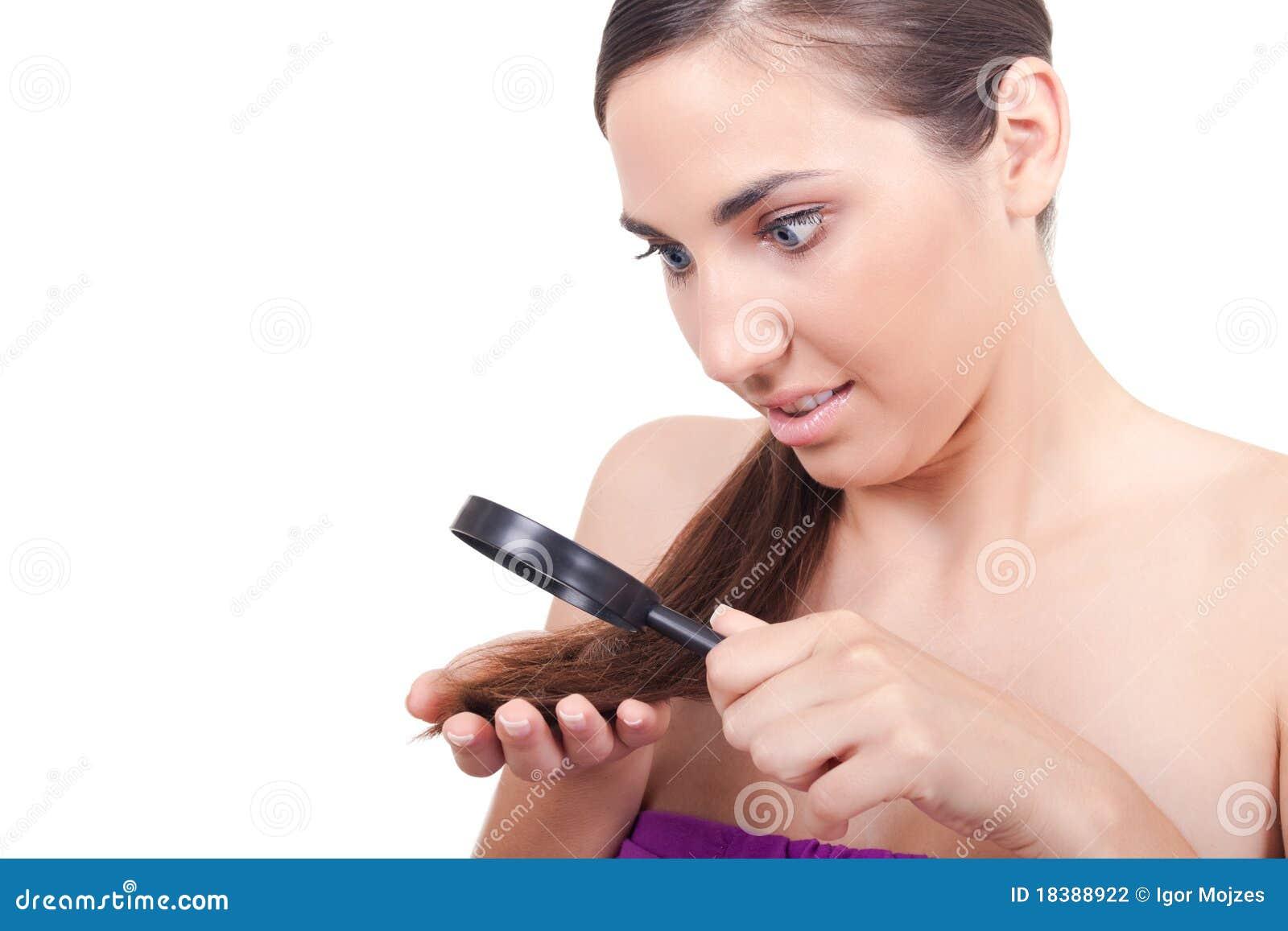 поврежденная женщина волос