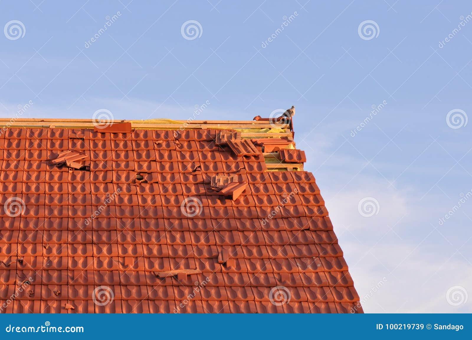 поврежденная крыша