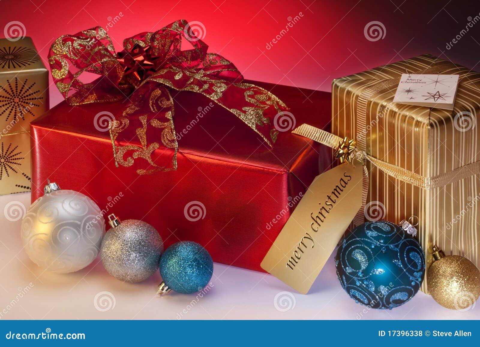 Подарки и украшения рождества