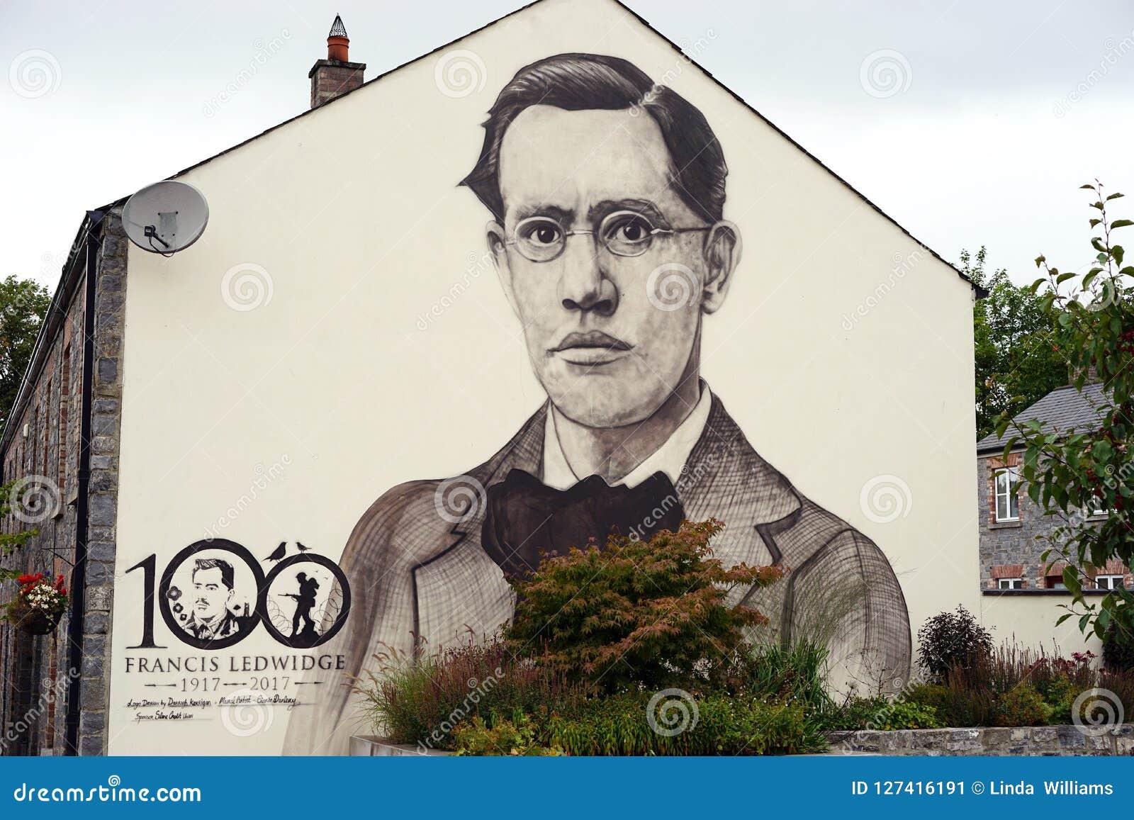 Поддержка общественностью ирландского поэта