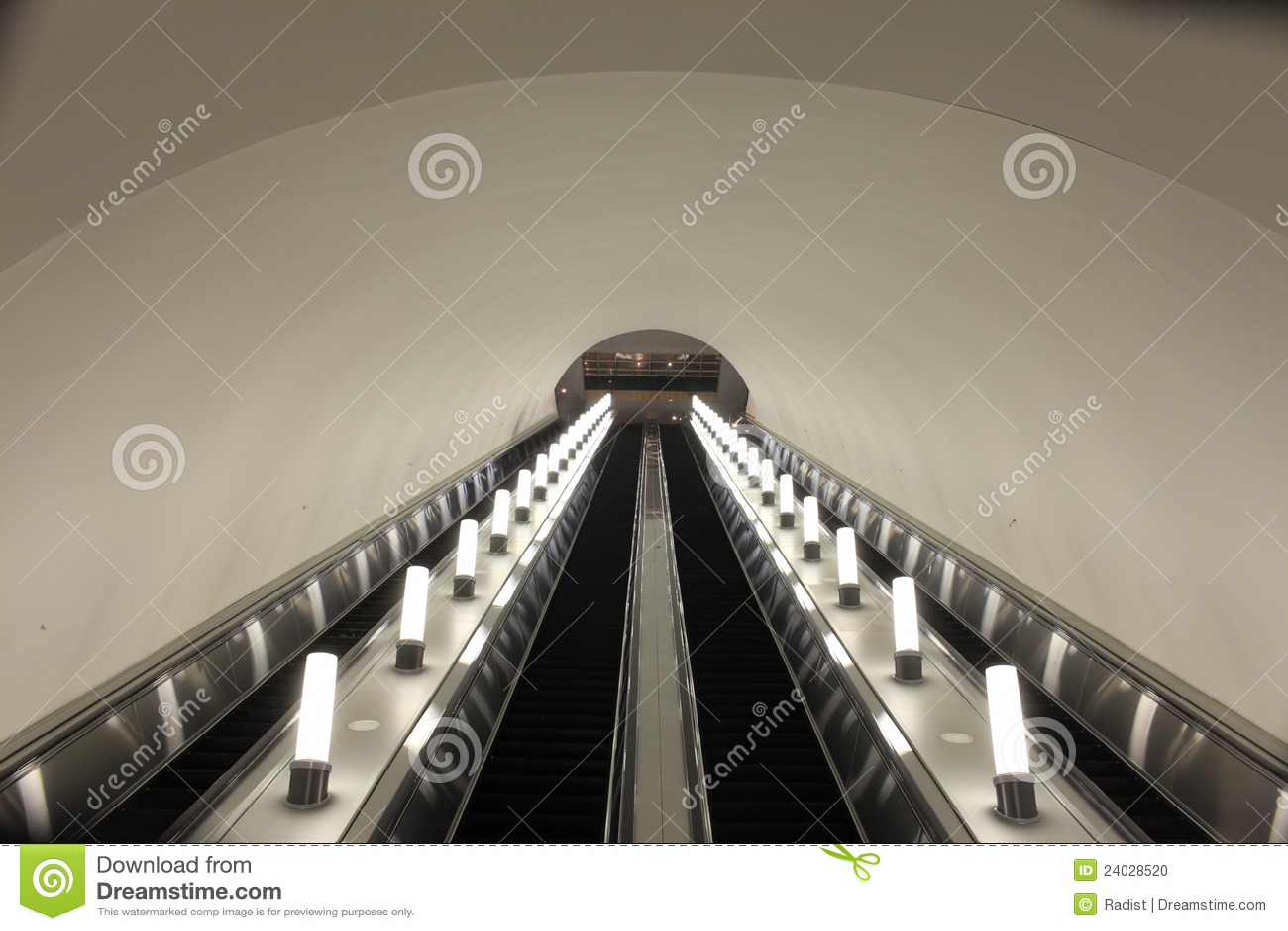 подземка эскалатора