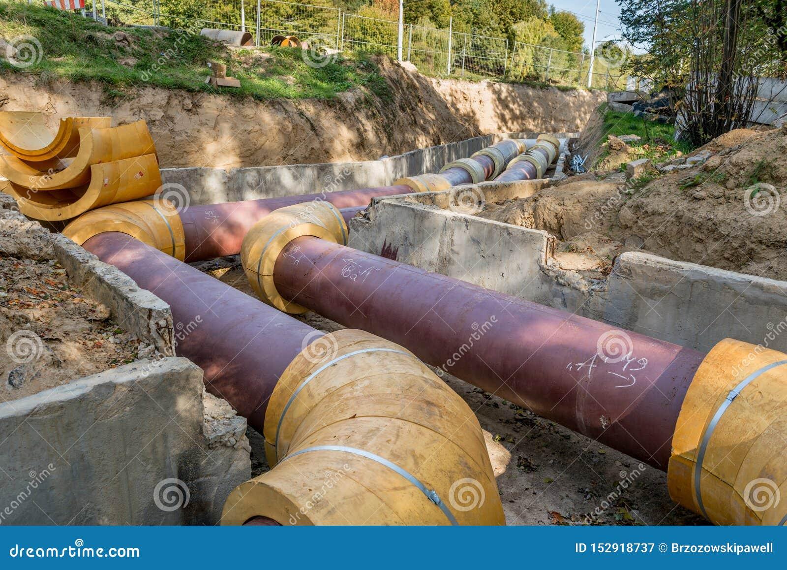 Подземная установка трубы Подземная труба общего назначения и обслуживаний положенная на строительную площадку