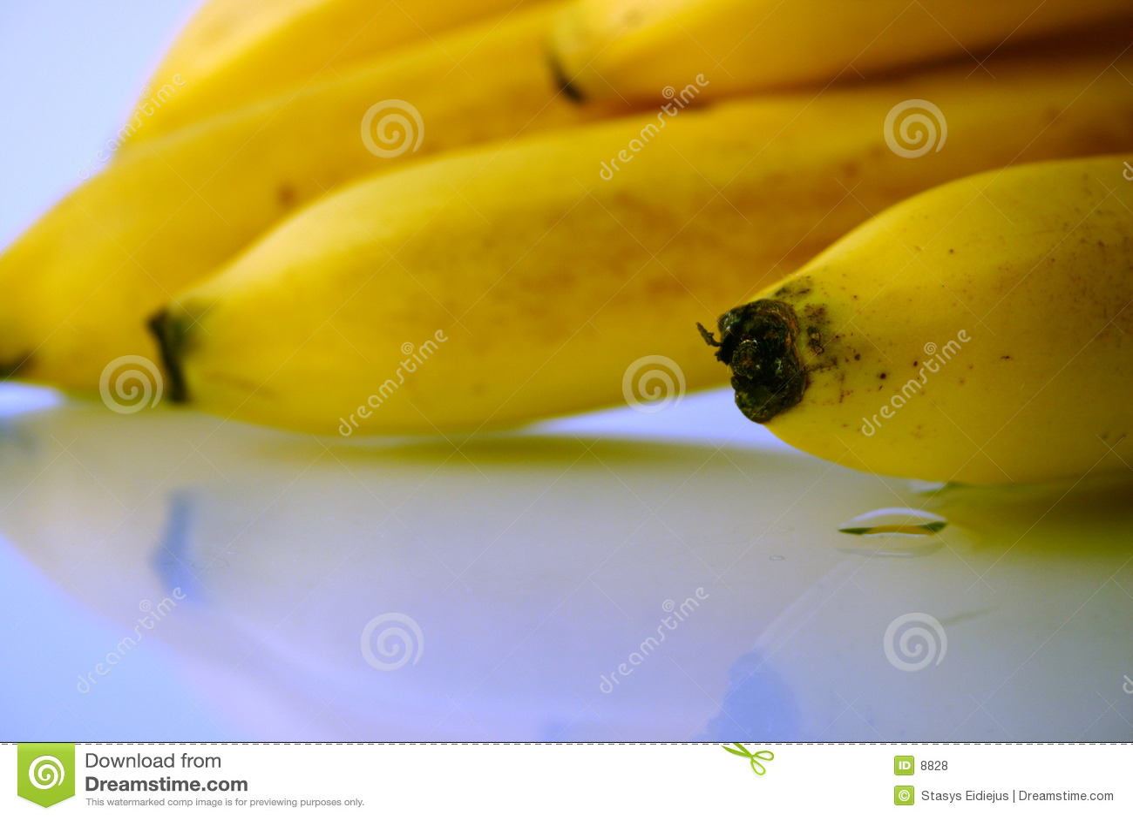 поднимающее вверх банана близкое