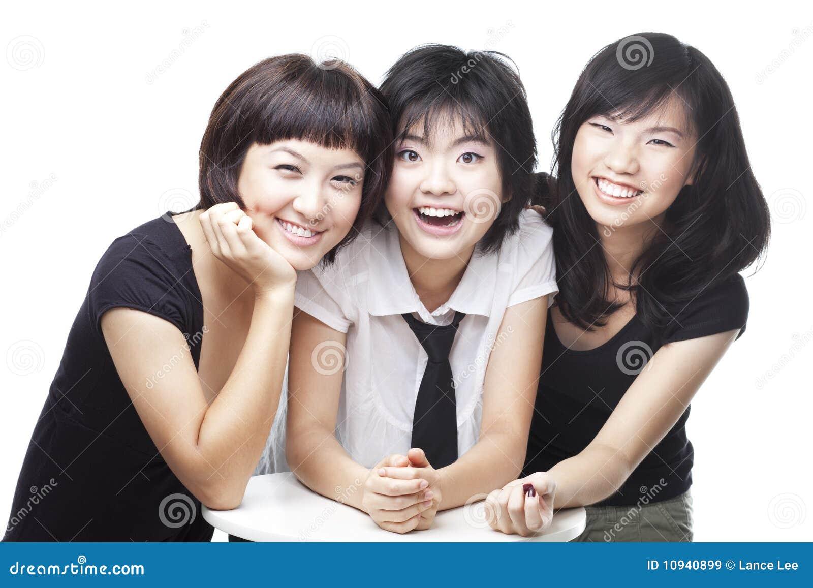 подросток 3 девушки друзей азиатского bonding китайский