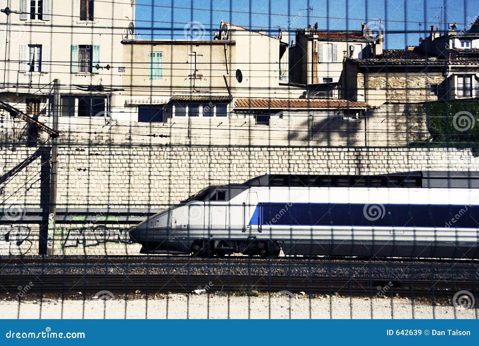 Download поезд марселя стоковое изображение. изображение насчитывающей франция - 642639