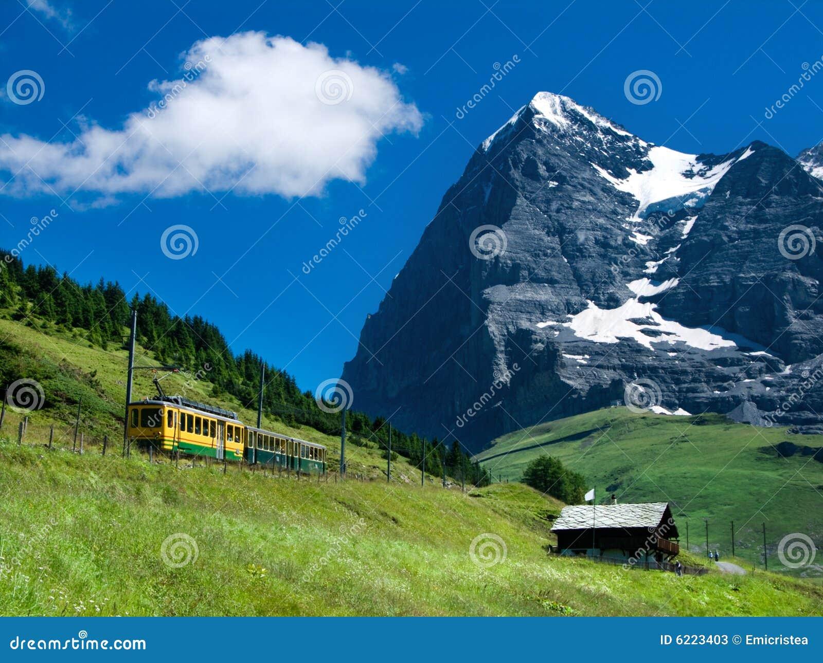 поезд Швейцарии горы eiger