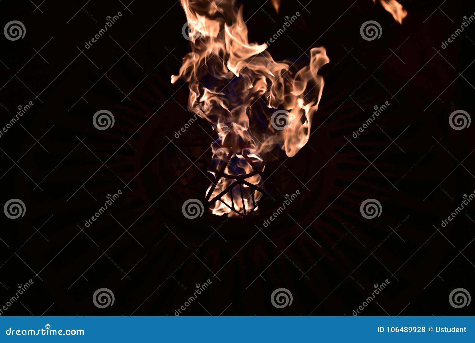 Пожар в темноте E