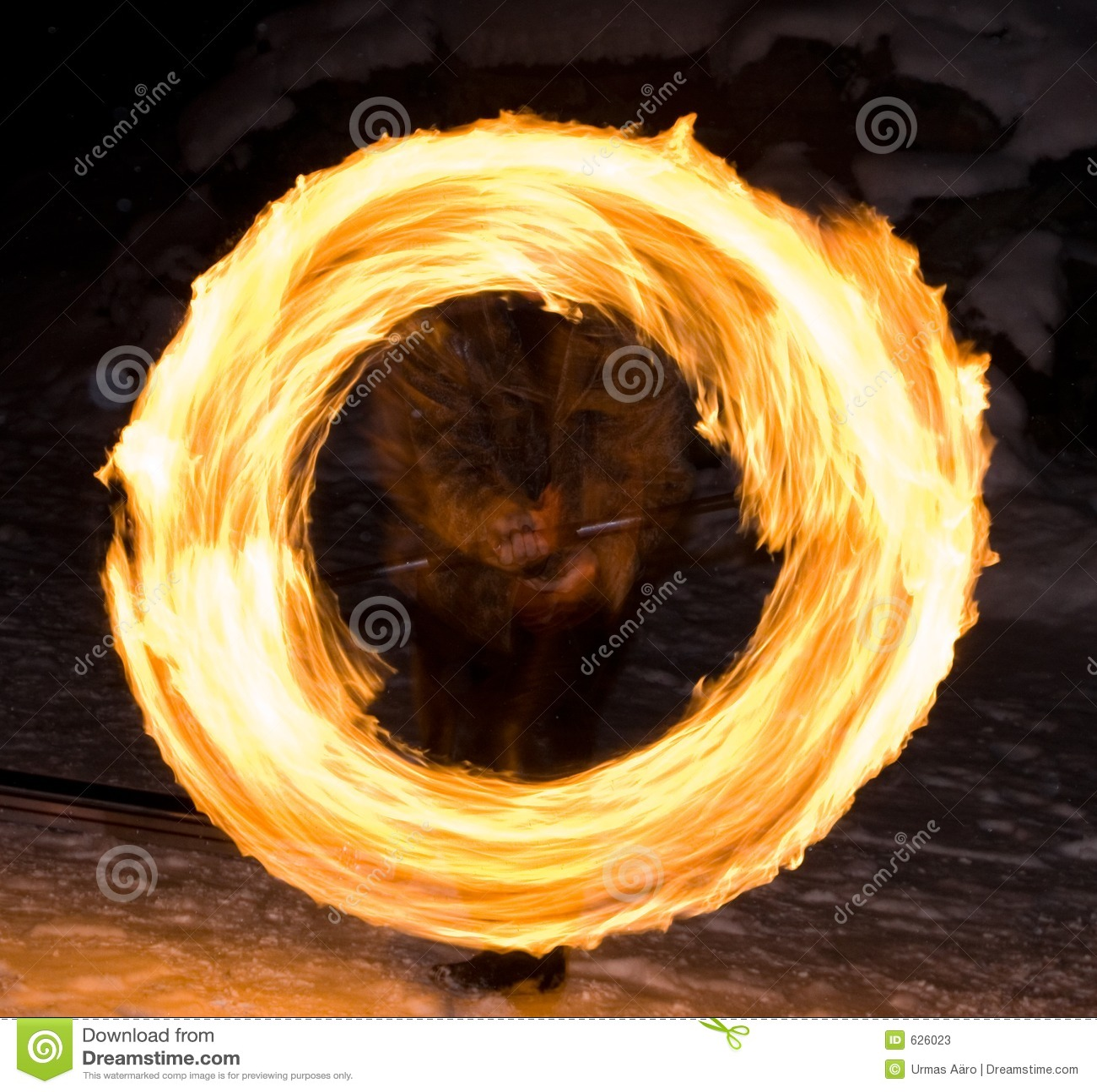 Download пожар круга стоковое изображение. изображение насчитывающей выставка - 626023