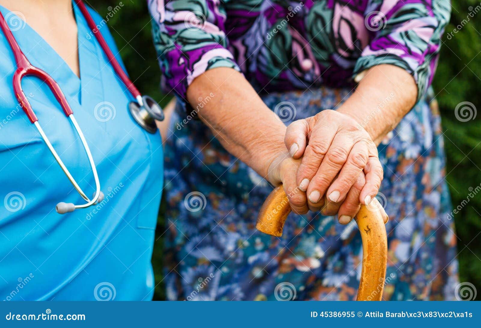 Пожилые люди с заболеванием Parkinson