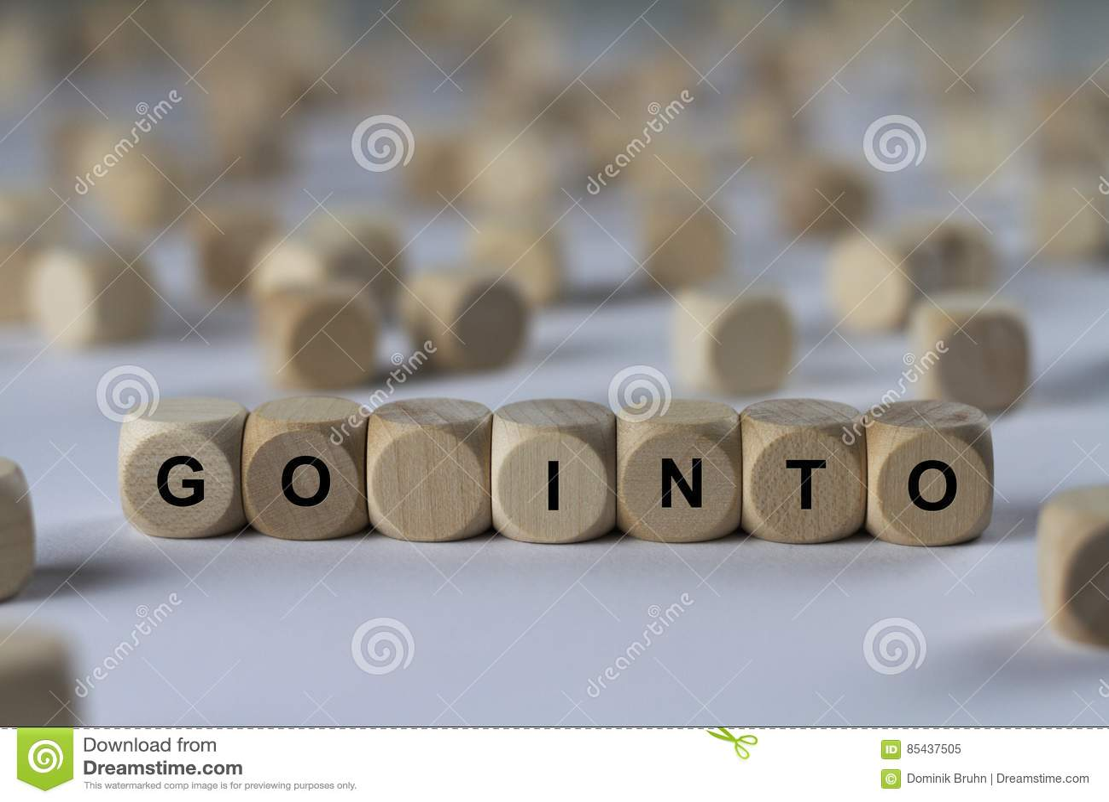 Пойдите в - куб с письмами, знак с деревянными кубами