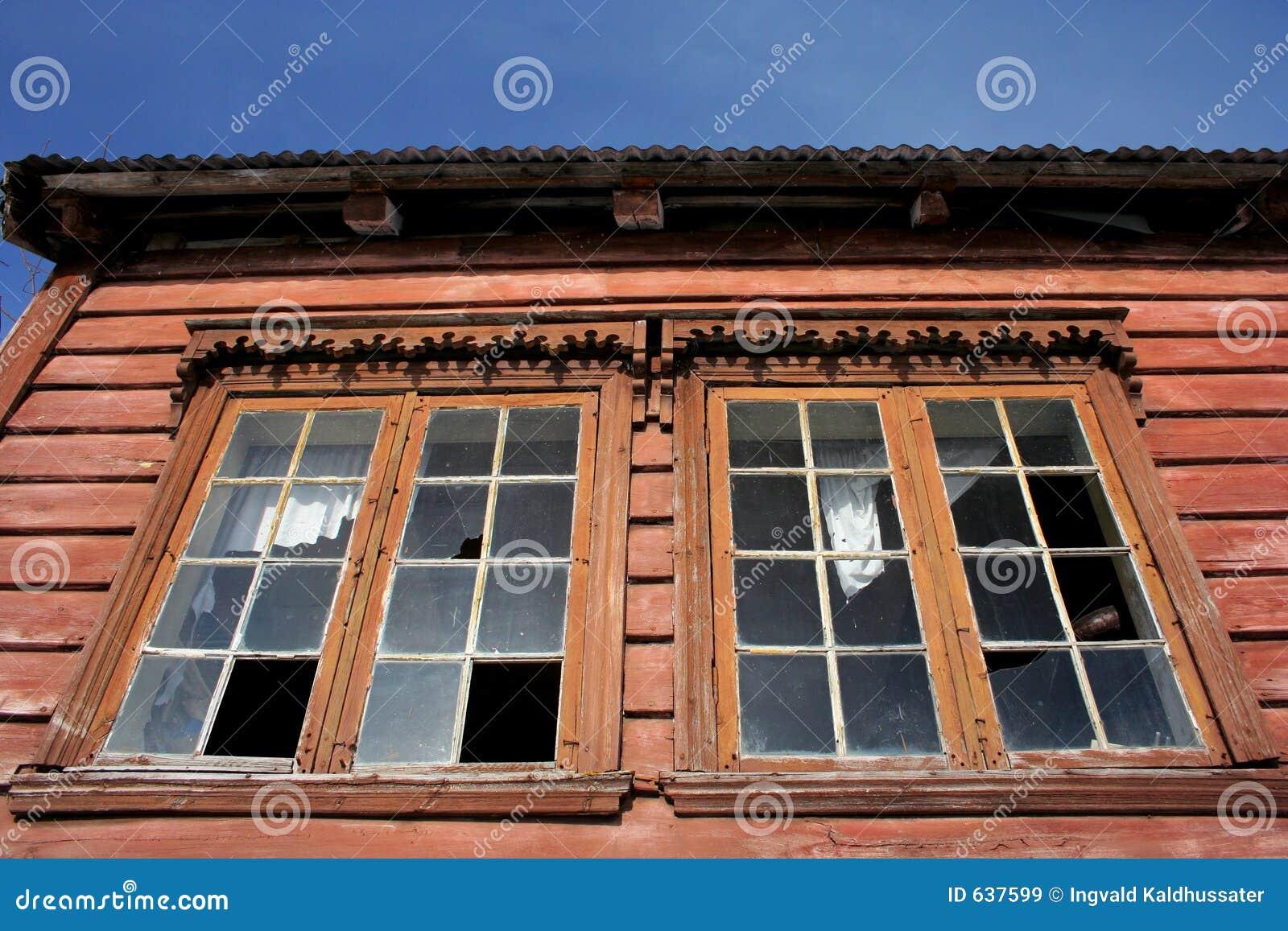 Download покинутая дом стоковое изображение. изображение насчитывающей историческо - 637599