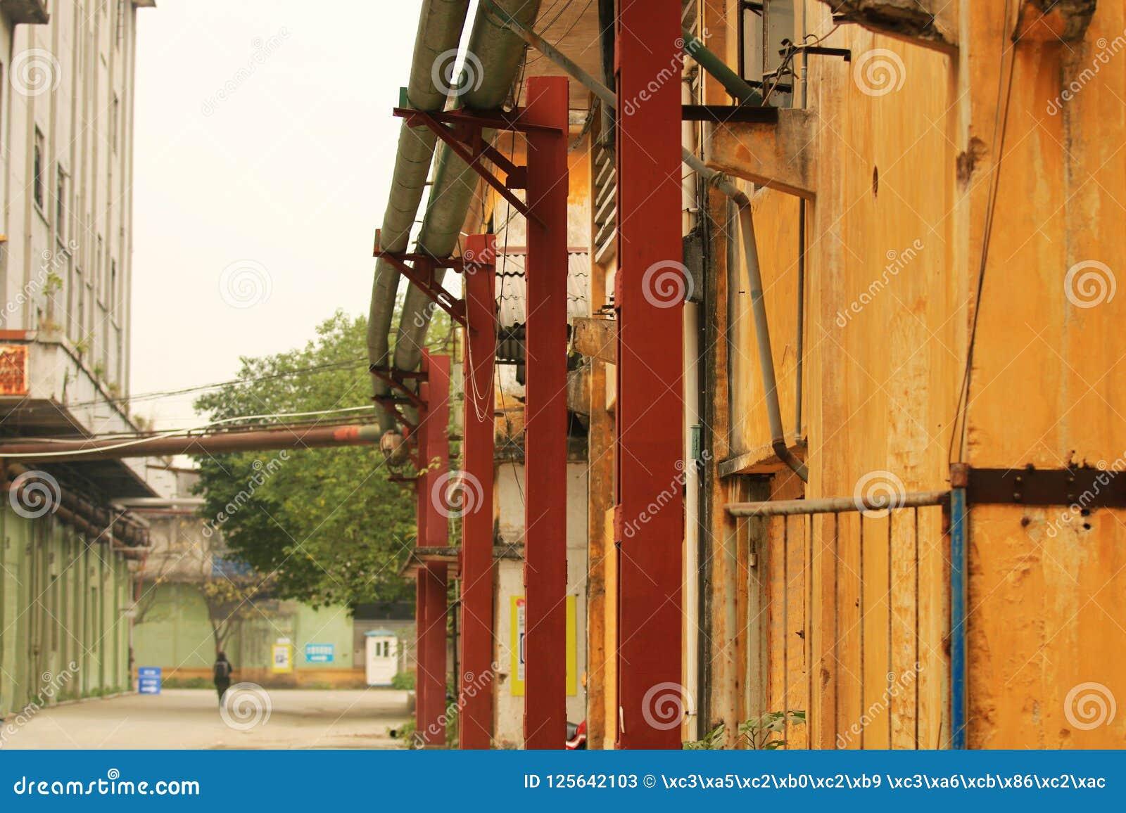 Покинутое место старой фабрики в panyu, Гуанчжоу, фарфоре