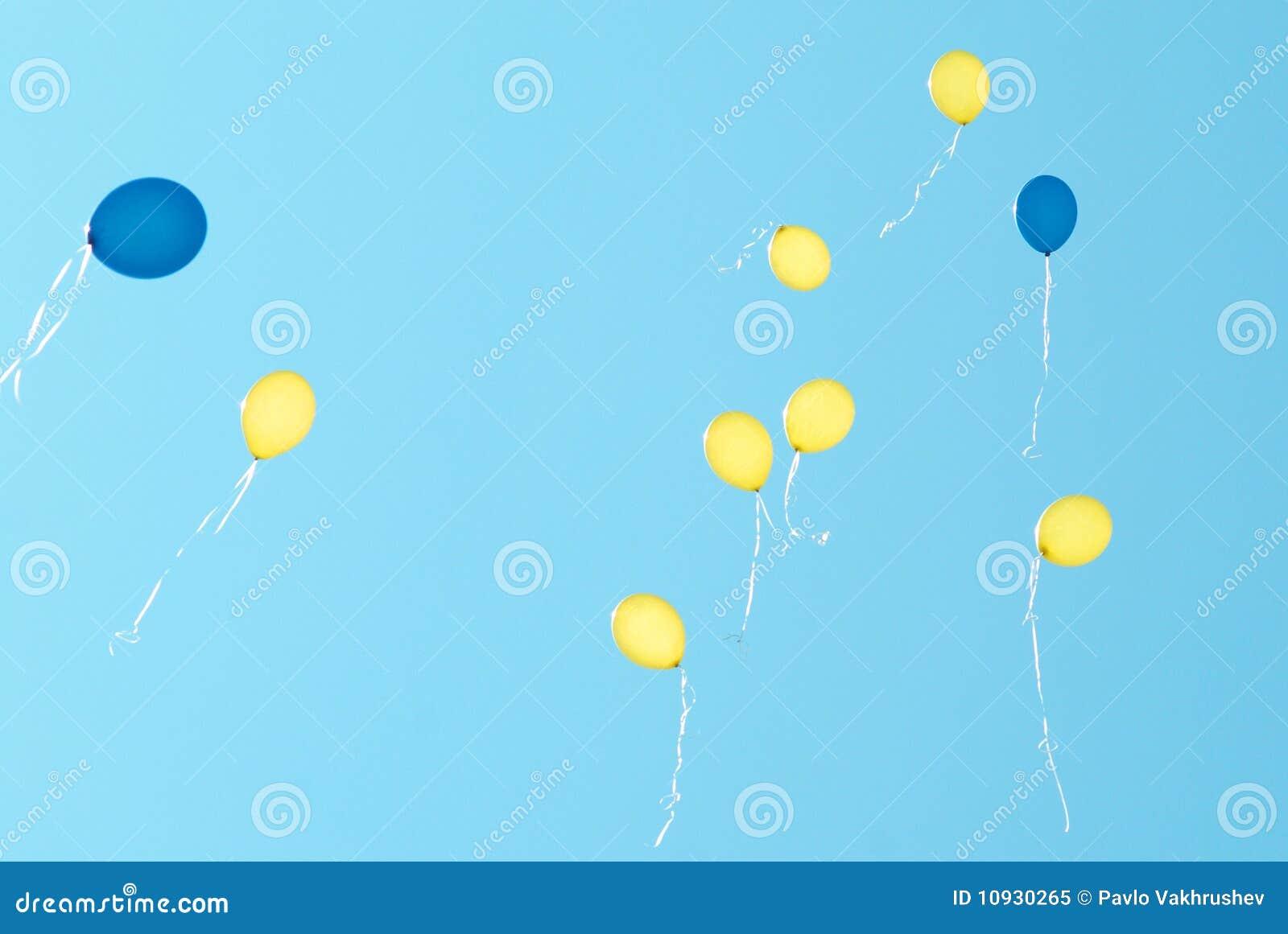 покрашенные воздушные шары