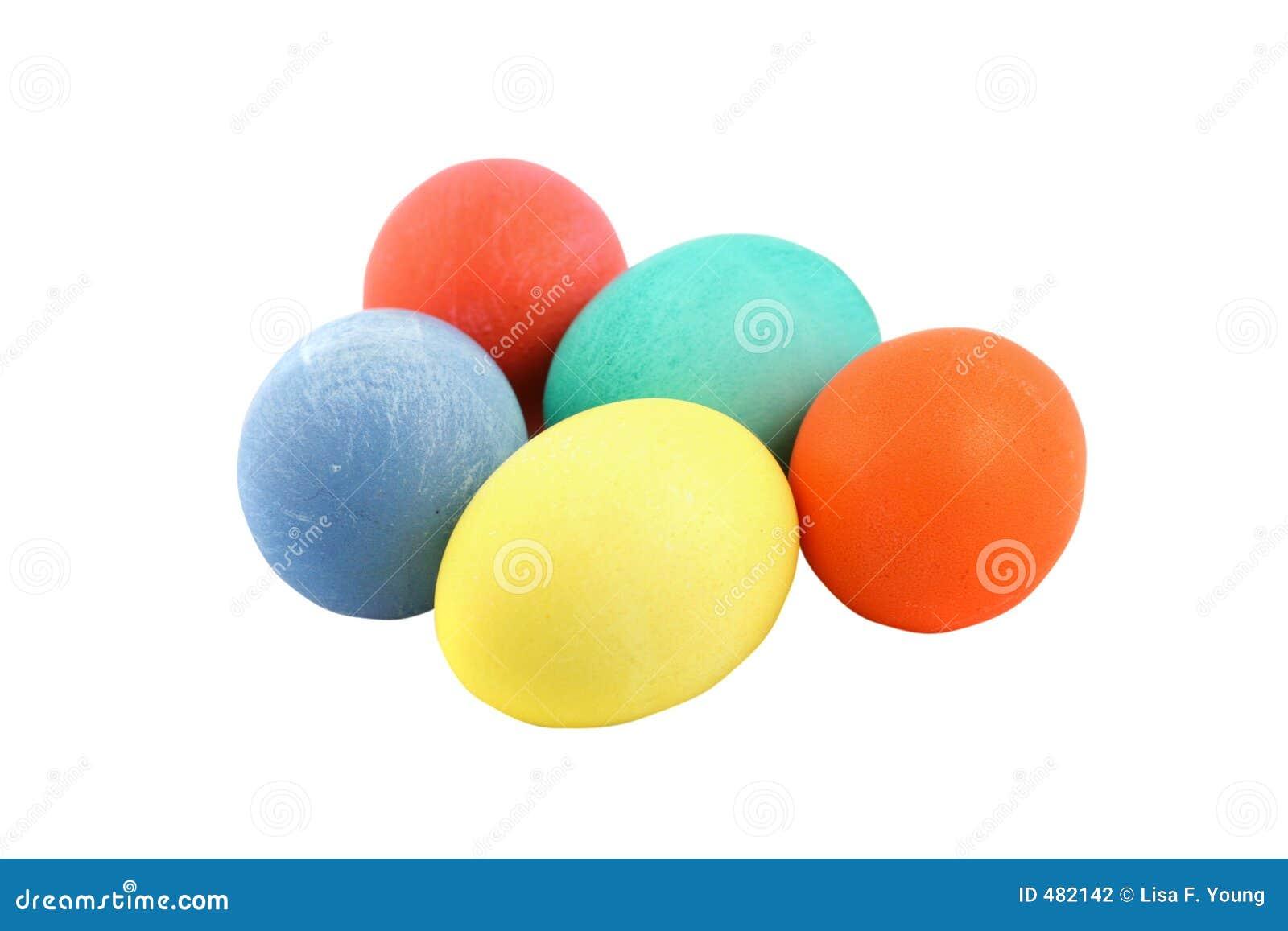 покрашенные изолированные пасхальные яйца