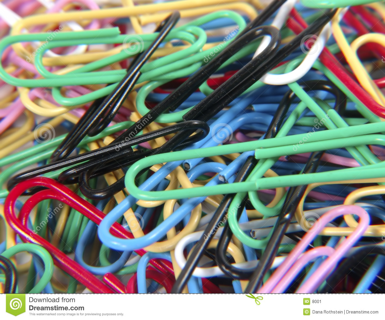 покрашенные paperclips