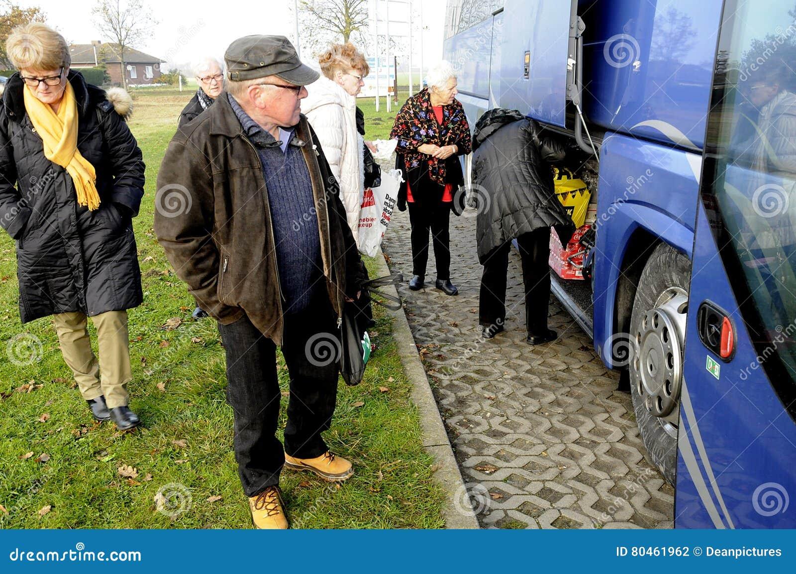 Burg  Femeern Germany двенадцатое  Danes ноября 2016 и shopers schristmas  sweds предыдущие на Fleggard в burg Германии Фото Декан DeanPictures  Фрэнсиса ... c8258659be9