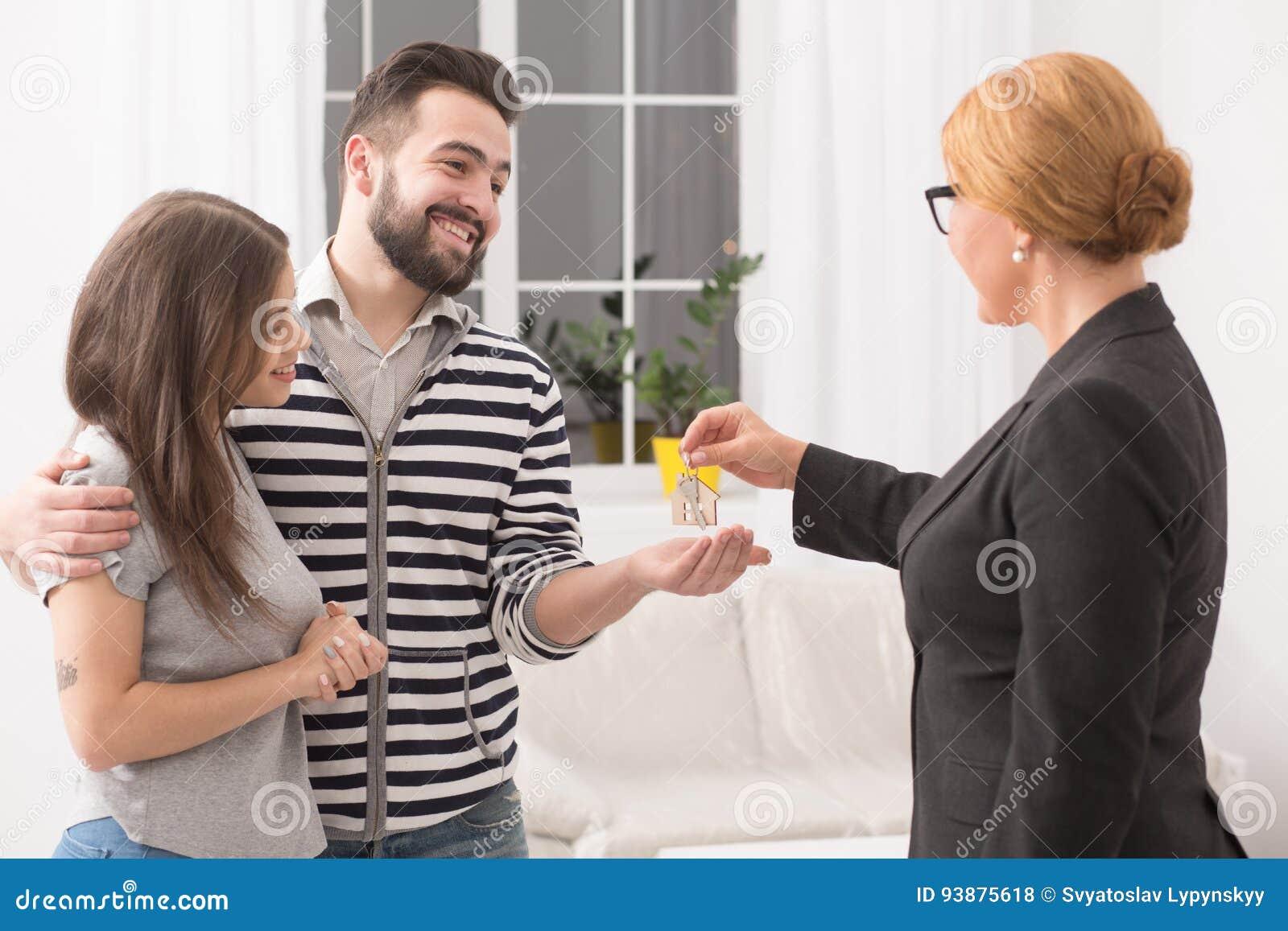 покупать квартиры новый