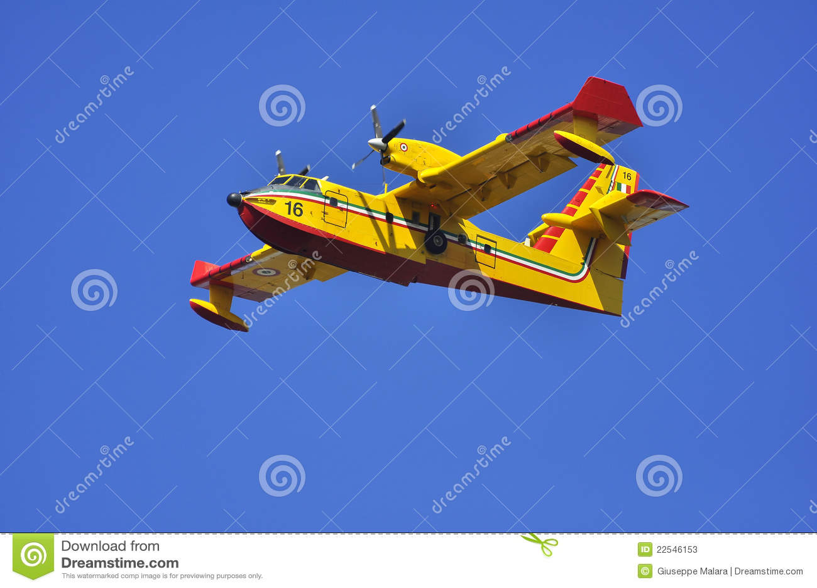 полет canadair