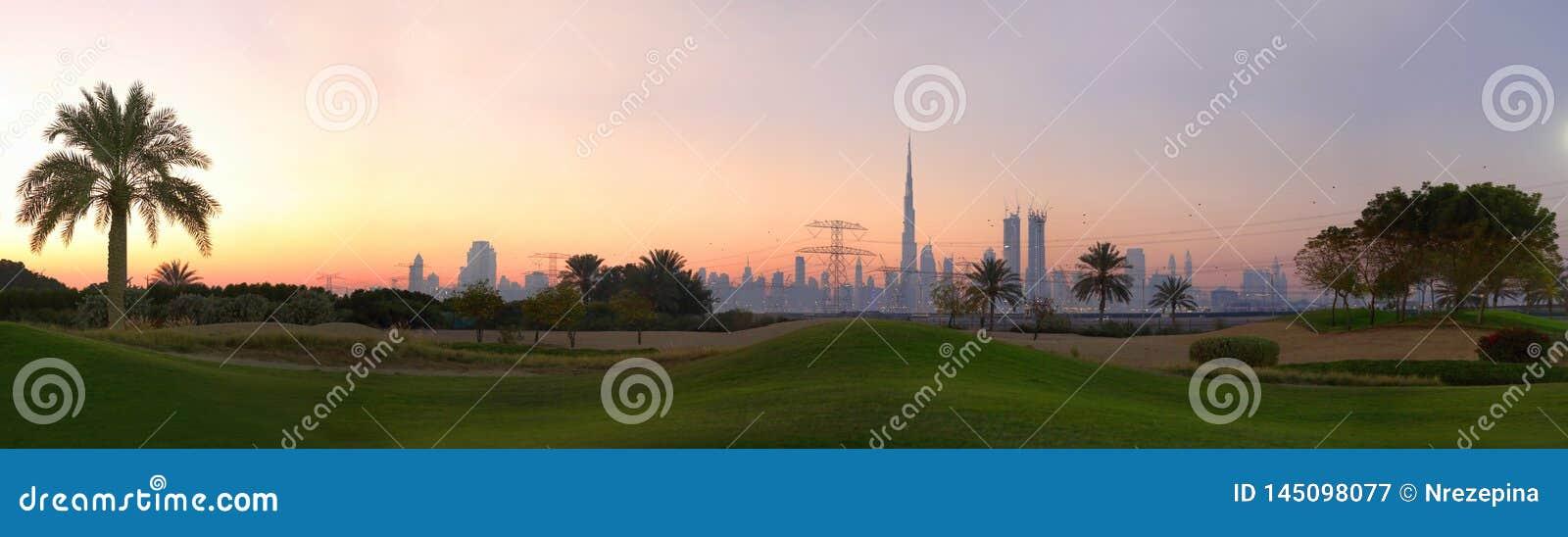 Поле для гольфа в Дубай